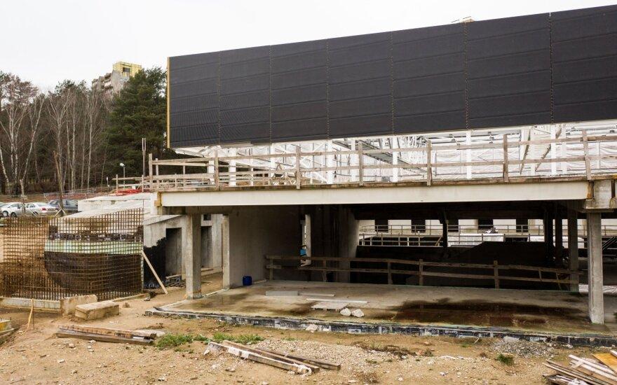 Sostinės Lazdynų baseino užbaigimo darbų konkursas bus skelbiamas iš naujo