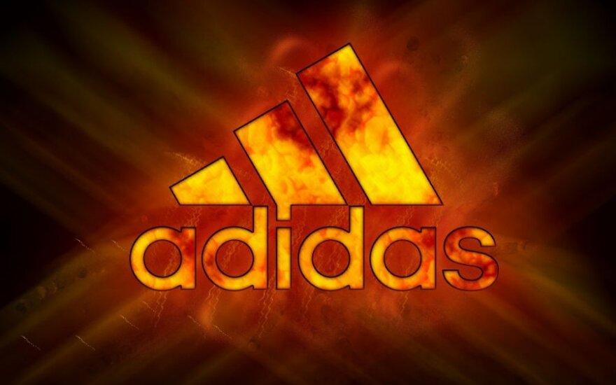 """Iš Rusijos bėga kaip iš skęstančio laivo: """"Adidas"""" uždarys 200 parduotuvių"""