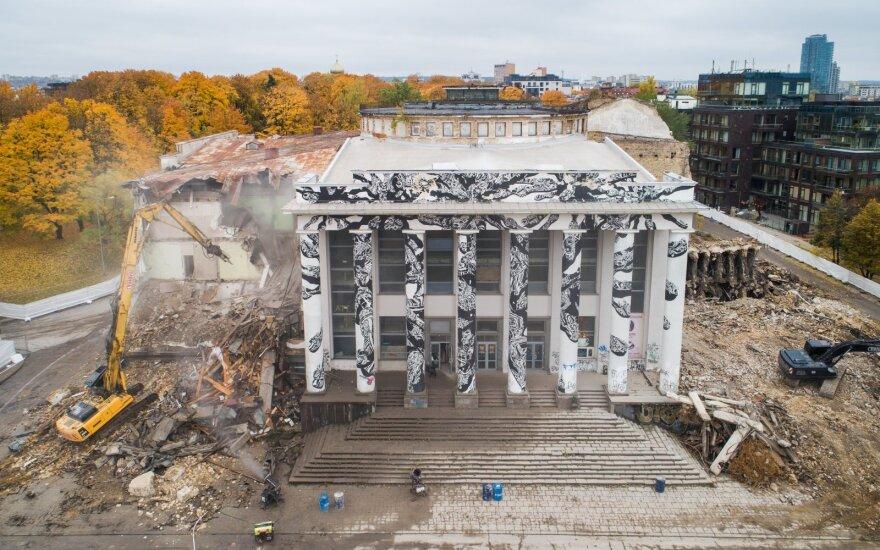 Projektą vietoj Profsąjungų rūmų vadina šlykščiu: gaila, kad negerbia tikro paveldo