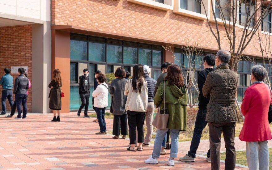 Nerimas Pietų Korėjoje: registruojami užsikrėtimo nežinomu būdu atvejai