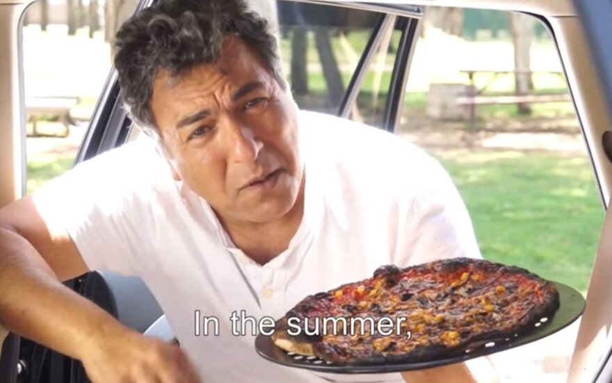 Pica, palikta automobilyje