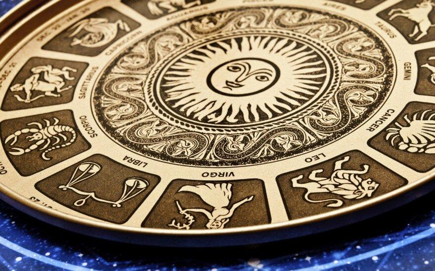 Astrologės Lolitos prognozė rugsėjo 28 d.: diena kai reikėtų neskubėti, visa kam duoti daugiau, nei įprastai laiko