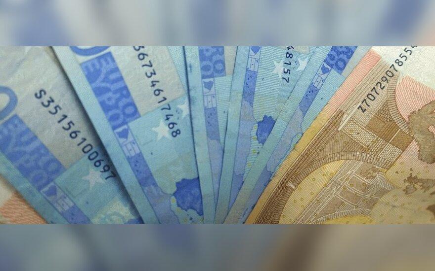 Krūvą pinigų pavogęs taksistas nemažai jų pralošė kazino