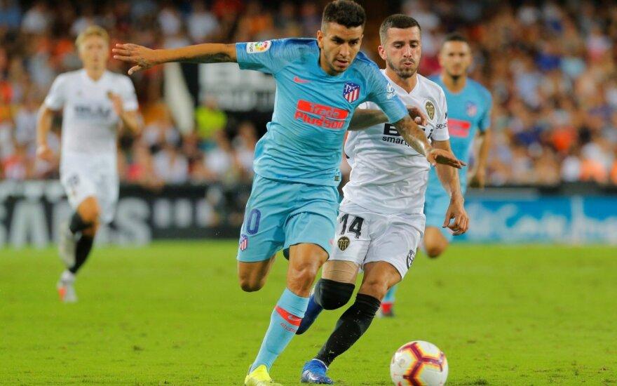 """Atletico"" puolėjas Angel Correa ir Jose Gaya (""Valencia"")"