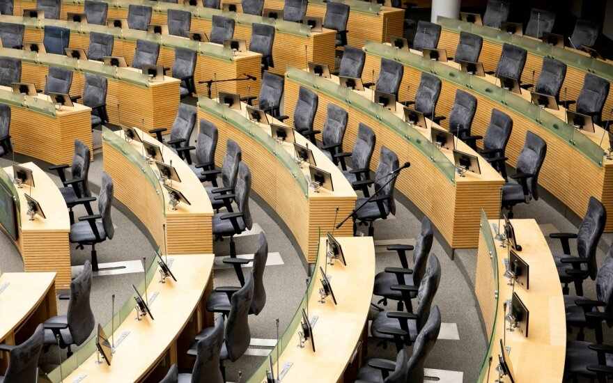 Parlamentarai balsuos dėl jų darbo sąlygas nustatančio įstatymo