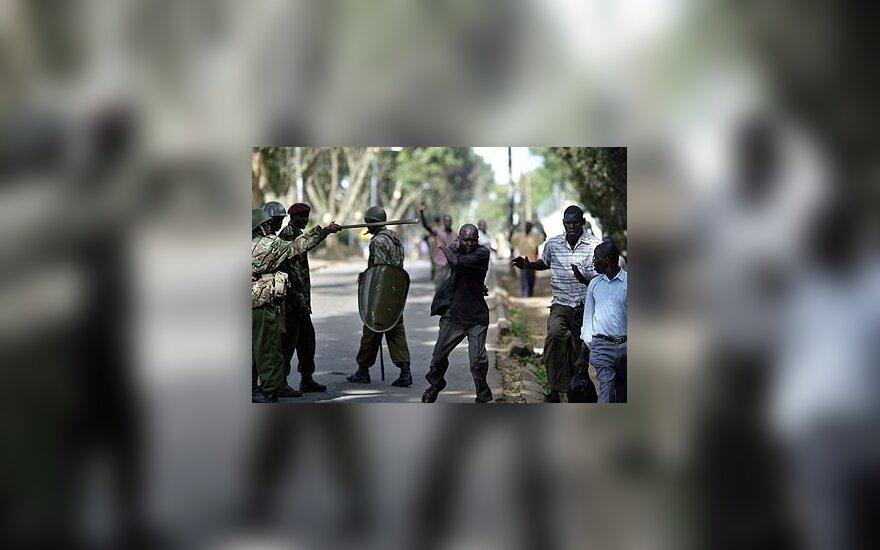 Kenijos miestelio gyventojams sukilus prieš nusikaltėlių klaną, nulinčiuoti 24 žmonės