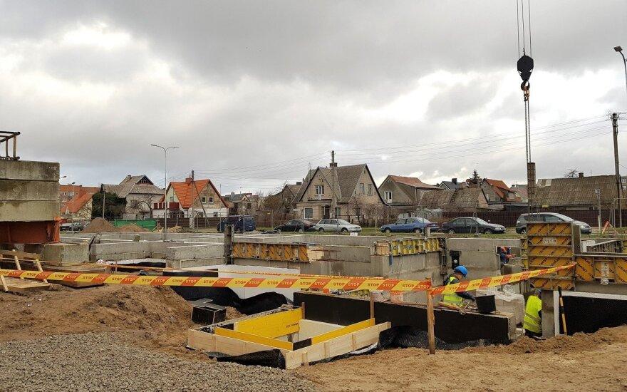 Lietuva plačiau duris atvers pramonės bei statybų darbuotojams iš užsienio