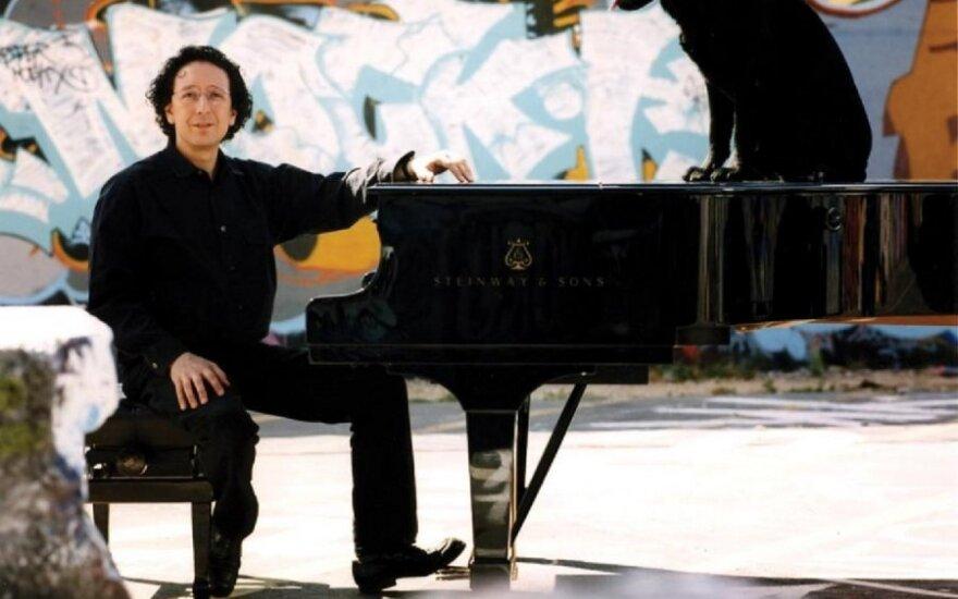 Pianistas J. M. Luisada nori sugriauti mitą apie nepasiekiamuosius maestro