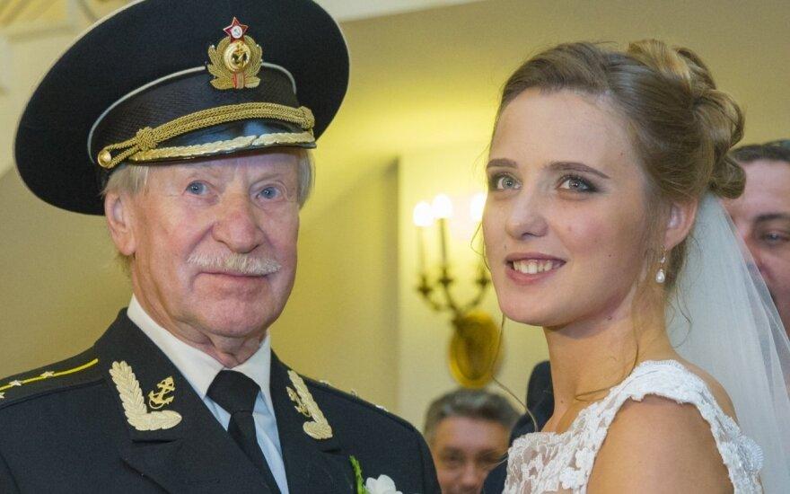 Rusų aktorius Ivanas Krasko vedė 60 metų jaunesnė sužadėtinę