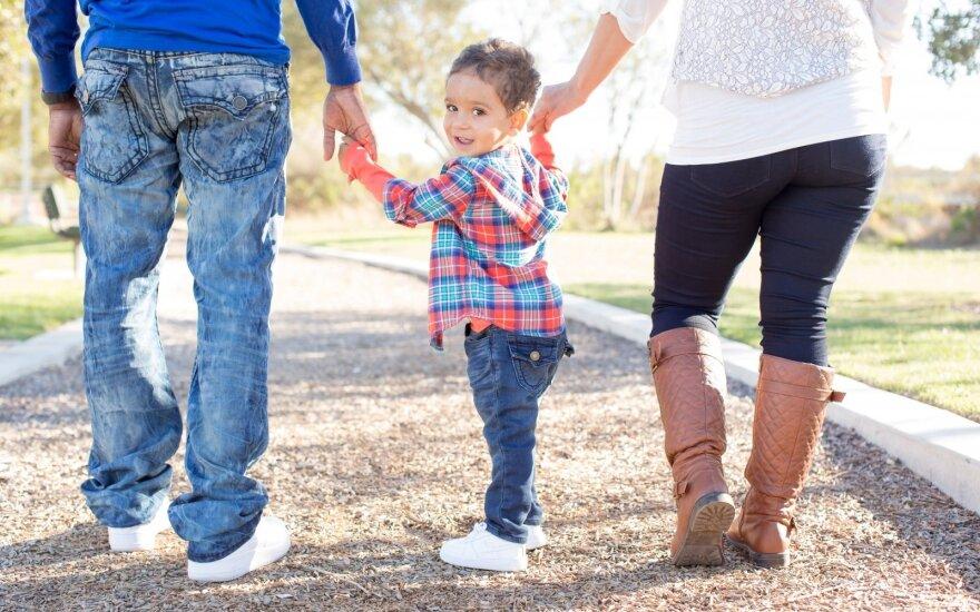 Dėl paimamų vaikų – tėvų nerimas ir įtampa: prašo neleisti paimti be reikšmingos priežasties