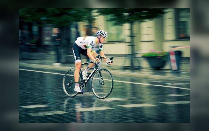 R. Navardauskas dviratininkų lenktynėse Prancūzijoje finišavo trečias