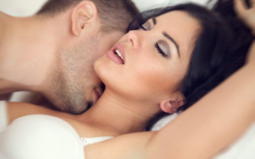 6 pavyzdžiai, kaip reguliarus seksas gerina jūsų sveikatą
