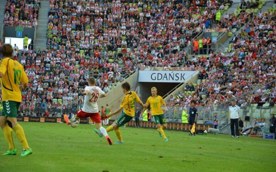 Lietuvos futbolo rinktinė mes iššūkį Lenkijai su R. Lewandowskiu
