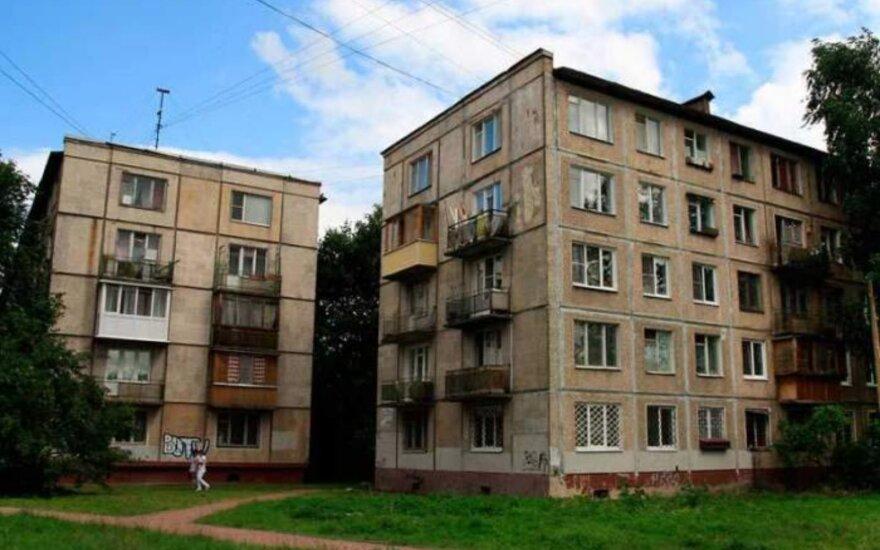 """Smalsu: kodėl """"chruščiovkių"""" pirmuose aukštuose nėra balkonų"""