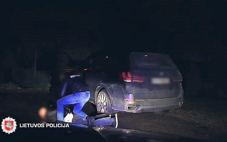 Vokietijoje pavogtu BMW važiavęs nusikaltėlis Lietuvoje pateko į pasalą
