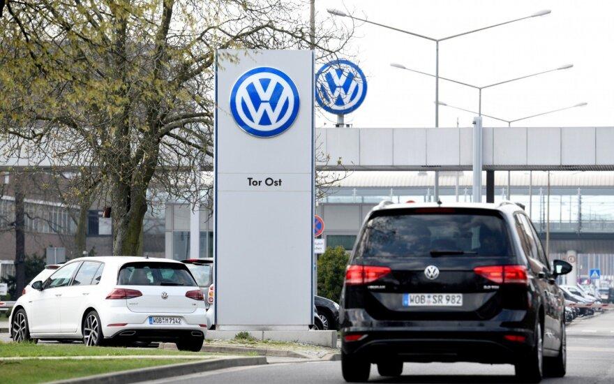 """""""Volkswagen"""" beveik įgyvendino """"dyzelgeito"""" veiksmų planą"""