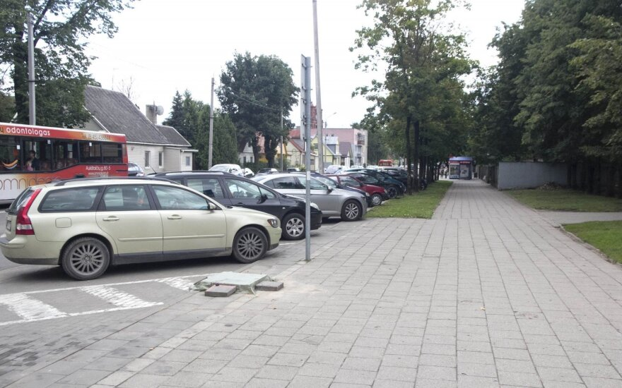 Statomas naujas parkomatas Smėlynės gatvėje, Panevėžyje