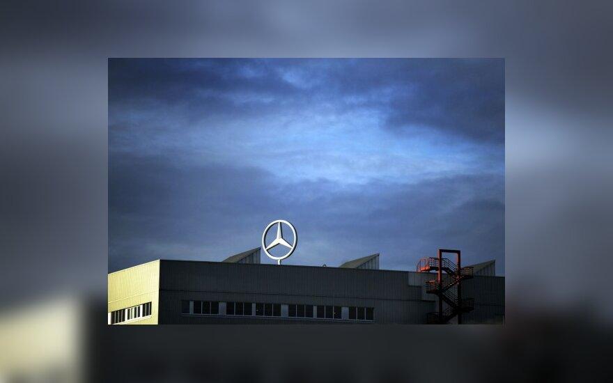 """""""Mercedes-Benz"""" ieško naujo rinkodaros šūkio"""