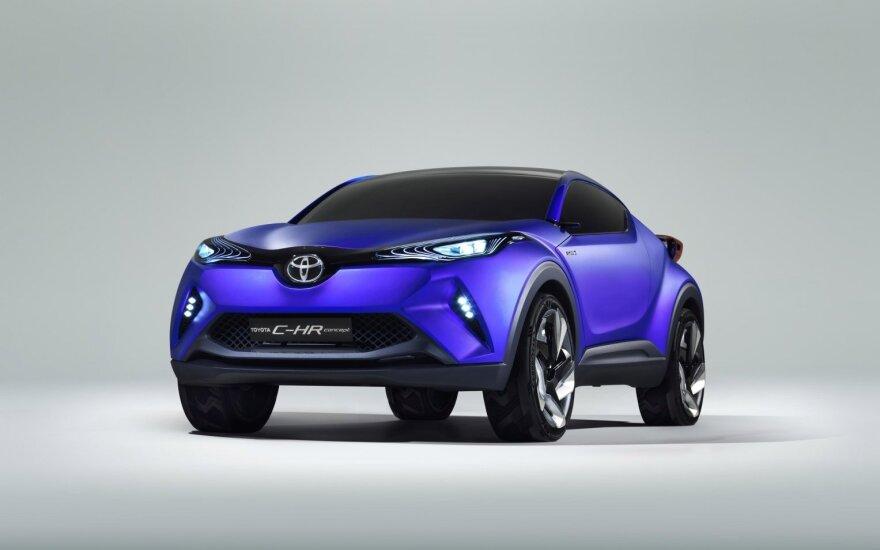 """""""Toyota"""" rengia atsaką populiariajam SUV"""