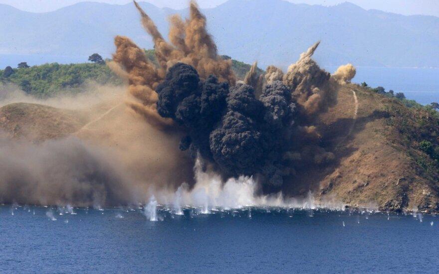 Šiaurės Korėja: D. Trumpas iškasė karo kirvį
