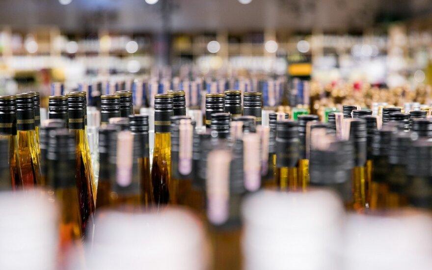 Prekybininkai kritikuoja specializuotų alkoholio parduotuvių idėją