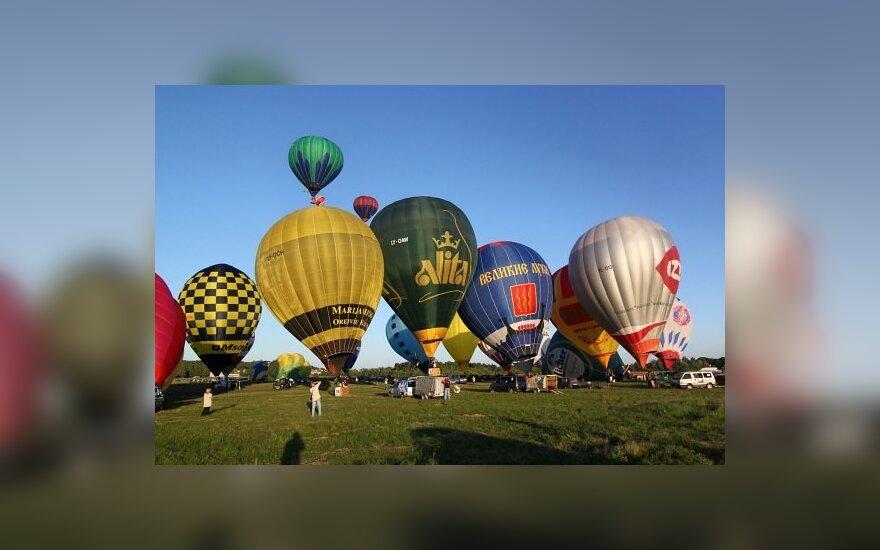 Oro balionų moterų pilotavimo varžybų pradžia