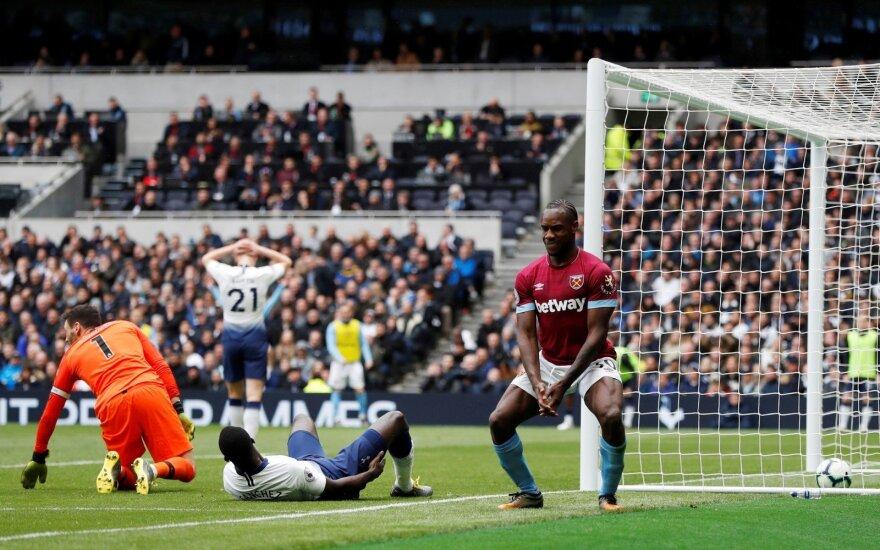 """""""Tottenham"""" prieš UEFA Čempionų lygos pusfinalį gavo antausį Anglijoje"""