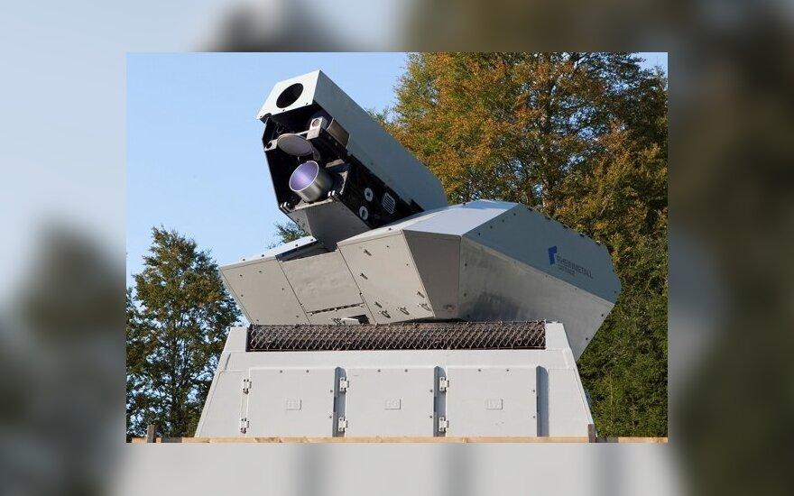 """Vokiečių kompanija """"Rheinmetall"""" išbandė didelės energijos lazerinį ginklą"""