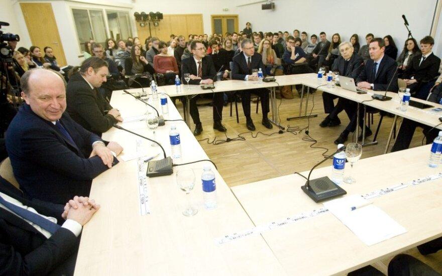 Andrius Kubilius dalyvauja diskusijoje TSPMI