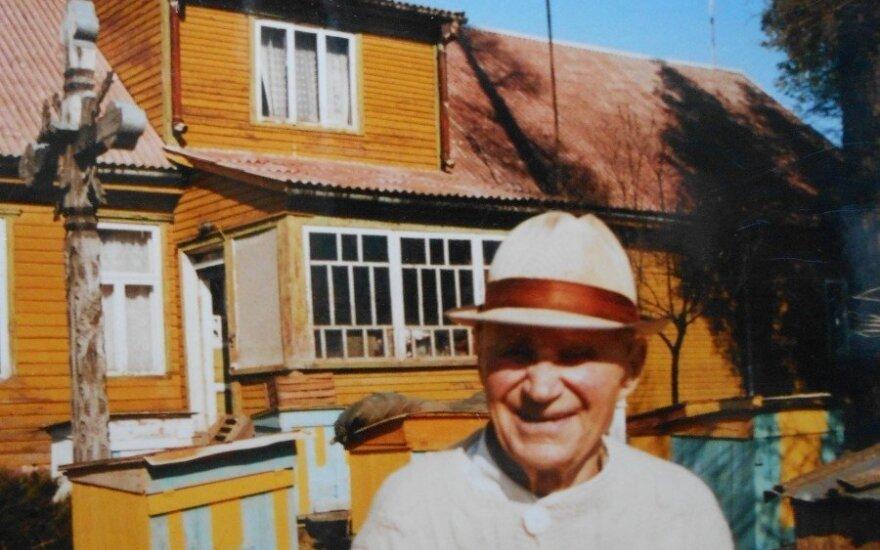 """Šimtamečio P. Skersio istorija: kaip buvęs """"ligų maišas"""" liko sveikas kaip ridikas"""