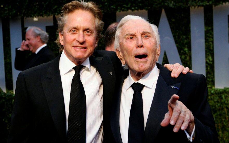 Michael Douglas su tėvu Kirku Douglasu