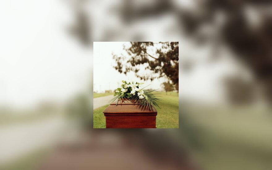 Karstas, laidotuvės, mirtis