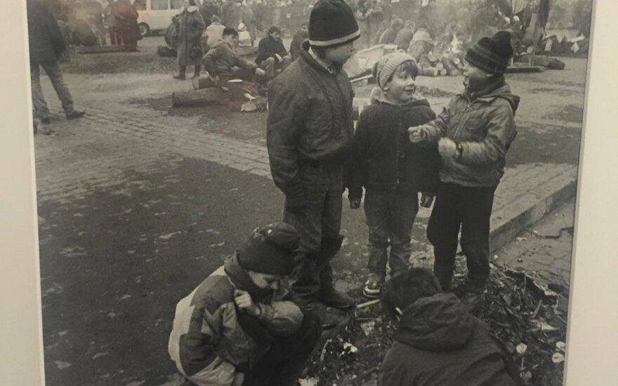 Feisbuke ieško nuotraukoje per 1991 m. Sausio įvykius užfiksuotų vaikų