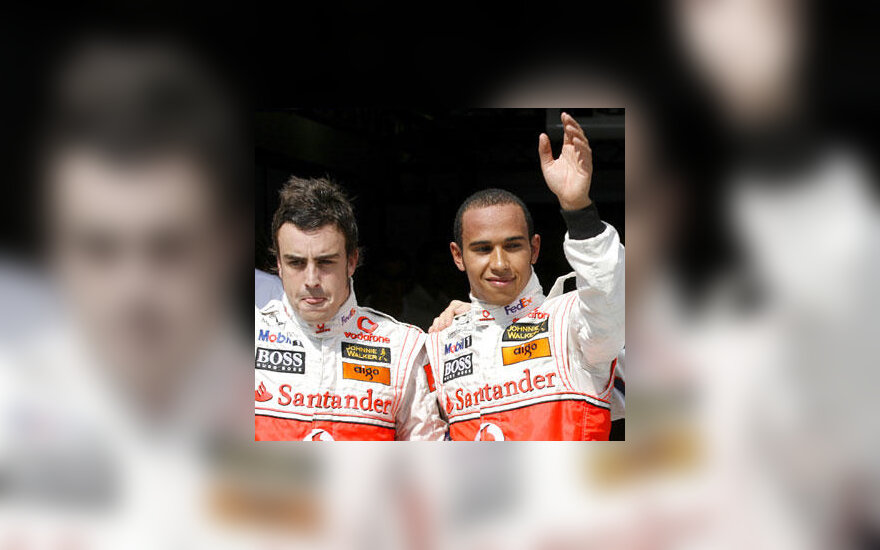 "Fernando Alonso ir Lewis Hamilton (""McLaren"")"