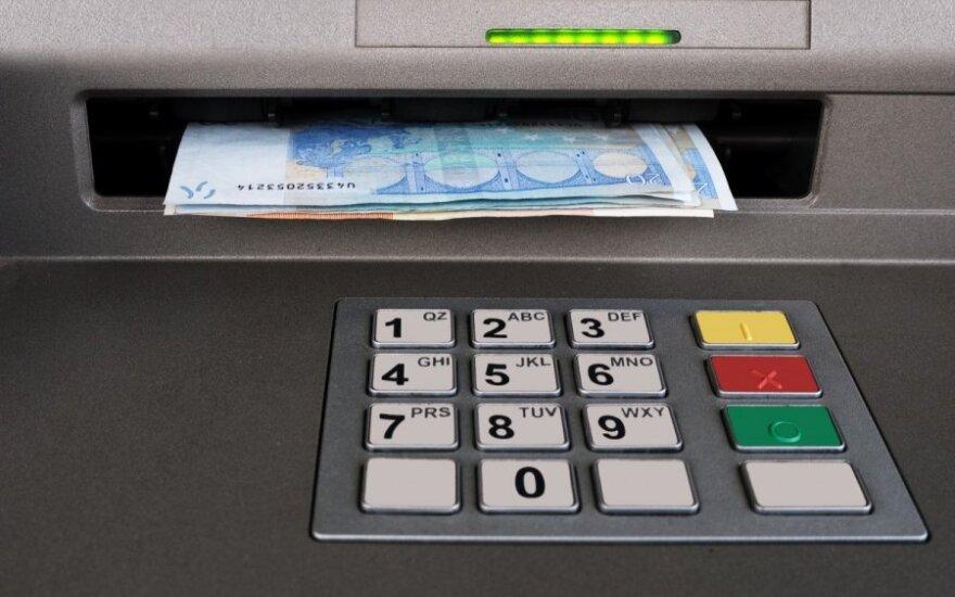 Eurų išėmimas iš bankomato