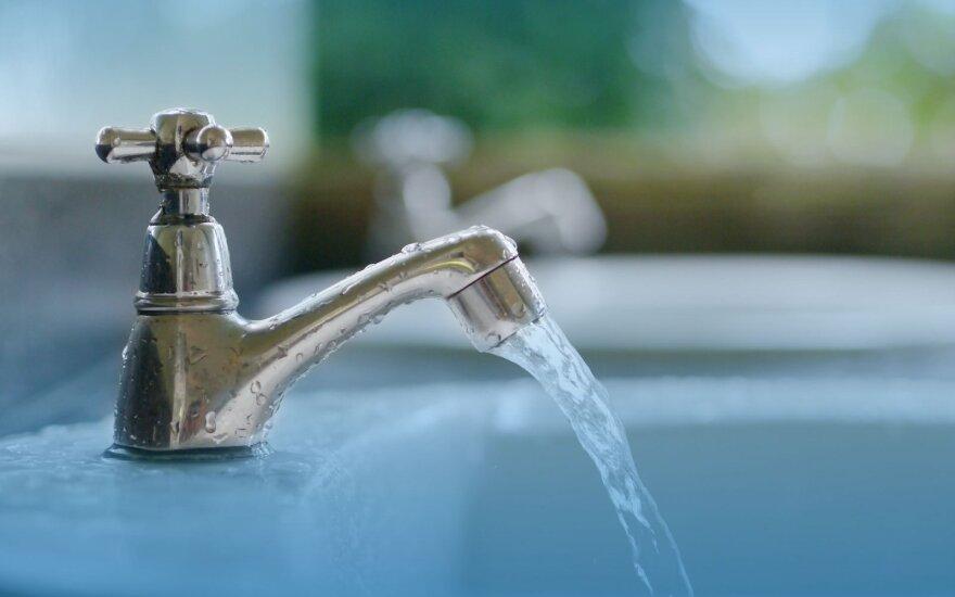 Klaipėdiečiai vandens suvartoja vis mažiau, todėl jis brangs