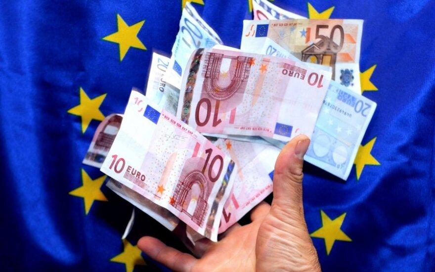 Euro zonos finansų ministrai patvirtina finansinę pagalbą Graikijai