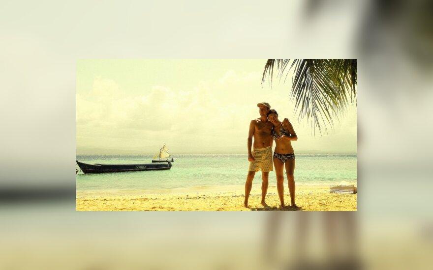 Linas Adomaitis su drauge. Keliaujant po San Blas salas  L.Adomaičio archyvo nuotr.