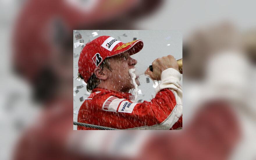 """Kimi Raikkonenas - 2007 m. """"Formulės-1"""" pasaulio čempionas"""