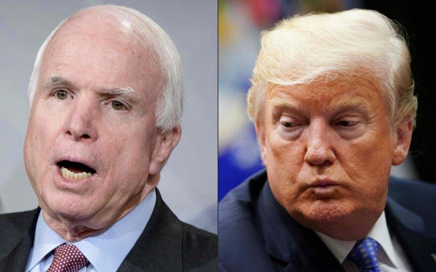Johnas McCainas, Donaldas Trumpas
