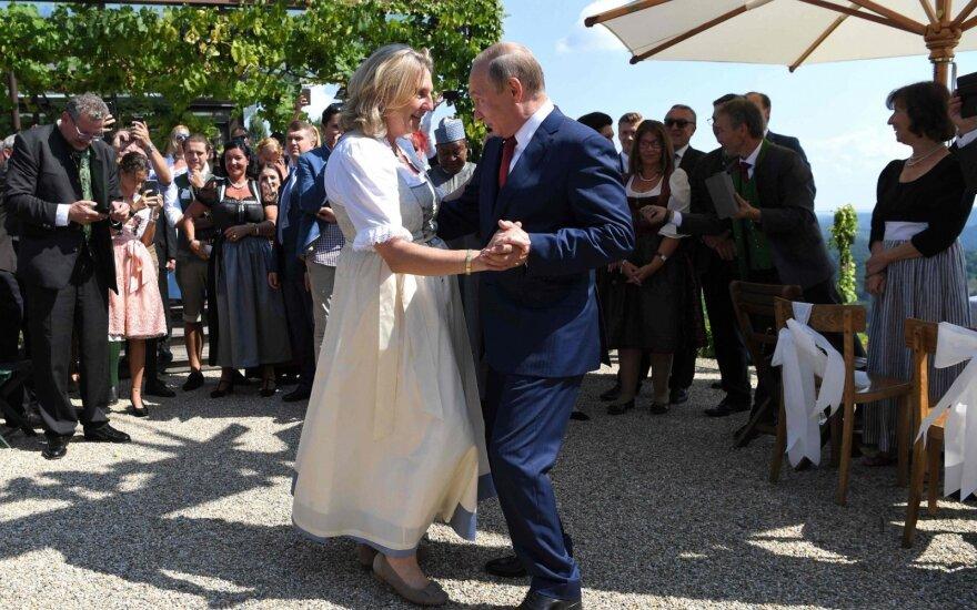 """Europos radikalų ir Rusijos santykius apibūdino """"juodojo tango"""" šokiu"""