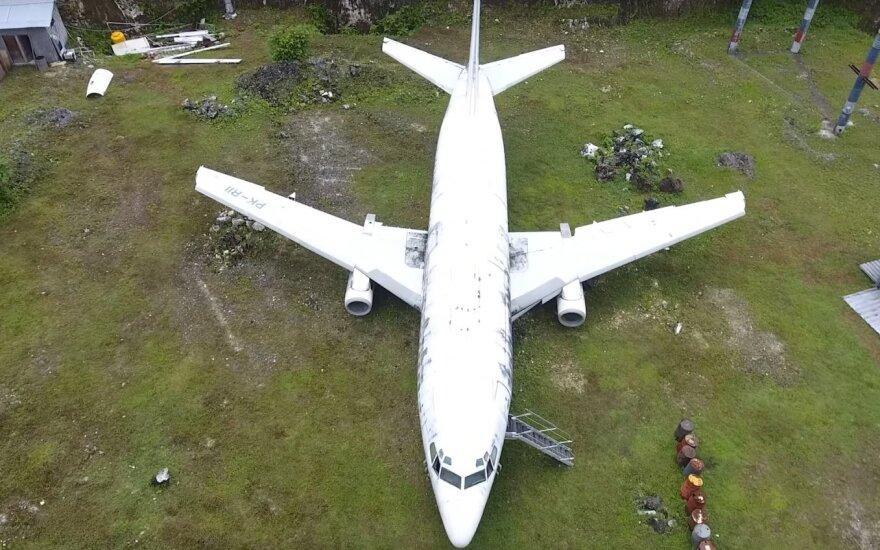 Apleisto lėktuvo paslaptis: numestas tiesiog laukuose, niekas nežino kodėl