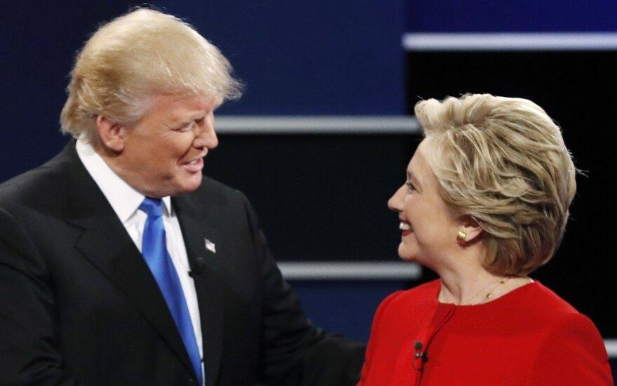 Apklausa: H. Clinton didina populiarumo persvarą prieš D. Trumpą