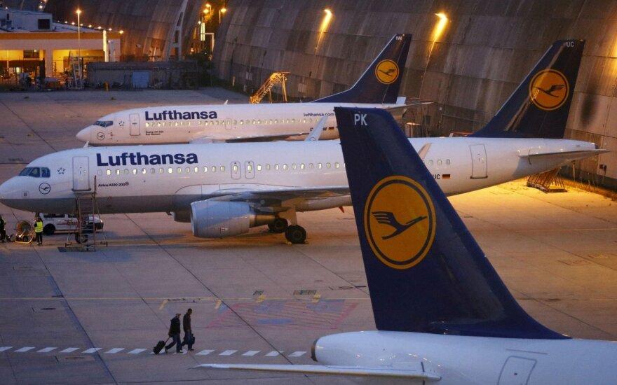 """""""Lufthansa"""" pelnui pirmą ketvirtį smogė augančios kuro kainos"""