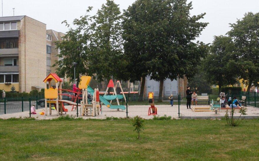 Kaunas uždarė vaikų žaidimų aikštelės viešose erdvėse