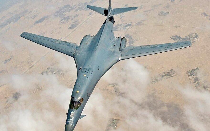 """Strateginis JAV bombonešis """"Rockwell B-1 Lancer"""""""