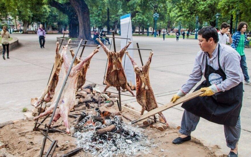 Kalėdos argentiniečiams neatsiejamos nuo kepamos mėsos kvapo