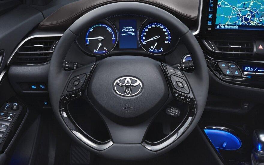 """Toyota C-HR"""