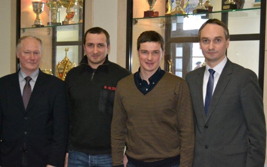 Andrejus Zadneprovskis (antras iš dešinės, LSU nuotr.)