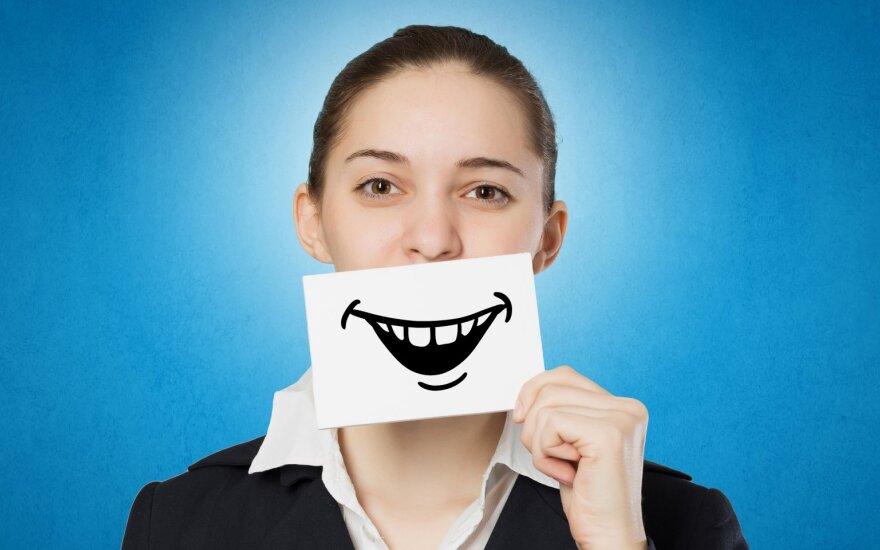 Dirbtinė šypsena